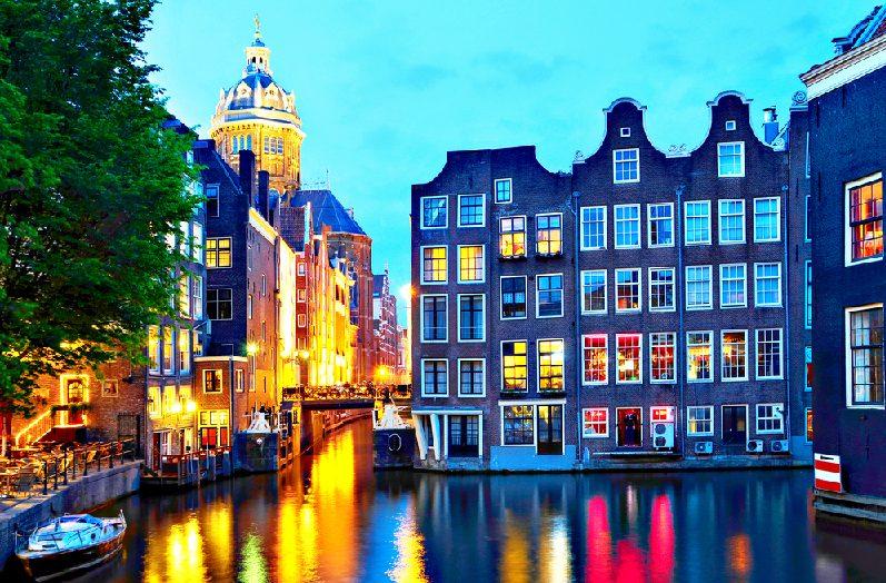 Απόκριες & 25η Μαρτίου στο Άμστερνταμ